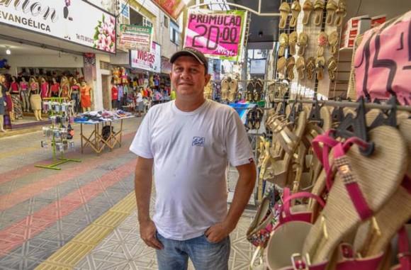 Jozino tornou-se MEI e comemora formalização e vendas (Foto Gabriel Oliveira).