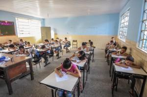 Escolas recebem orientação para matrícula.