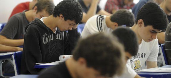 Estudantes já podem se inscrever para financiamento de estudos pelo Fies (Foto Wilson Dias/Agência Brasil).