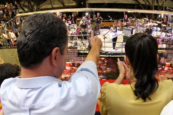 Rui Costa agradece a menção de Bell Marques ao Carnaval Sem Cordas (Foto Manu Dias).