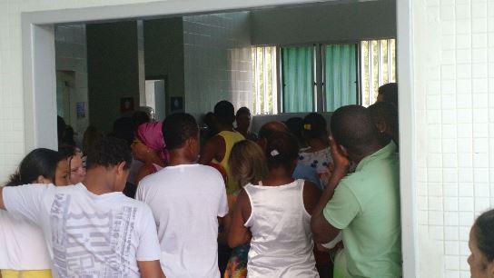 Pacientes aguardam atendimento no Base (foto Fábio Souza)