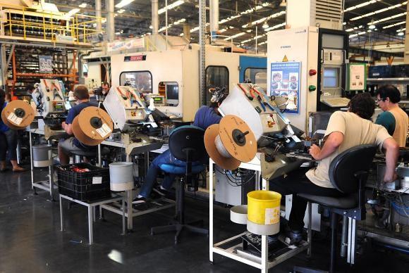 Indústria brasileira registra queda de 8,3% em 2015 (Foto Agência Brasil).