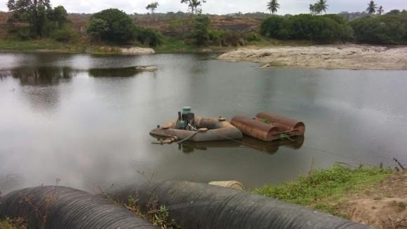 Nível do Rio Cachoeira voltou a cair, após nova estiagem (Foto Martone Badaró).