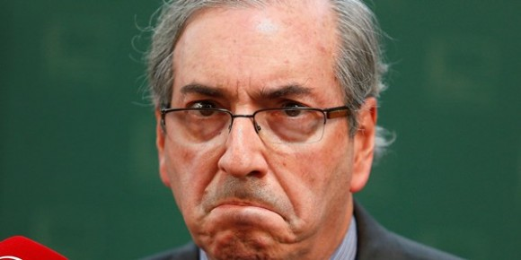 Eduardo Cunha renunciou à presidência da Câmara para salvar mandato.