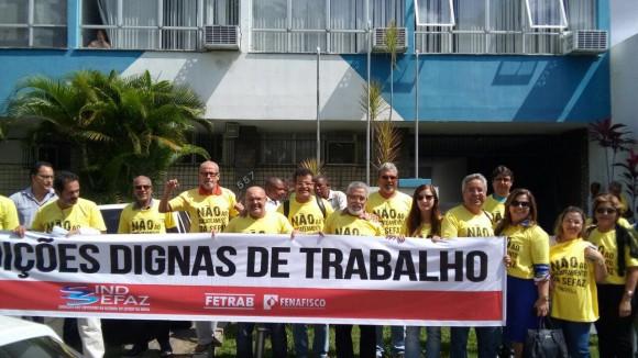 """Fazendários fazem manifestações para cobrar reajuste e denunciam """"desmonte""""."""