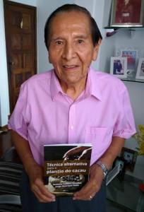 Zevallos lança livro (Foto Divulgação).