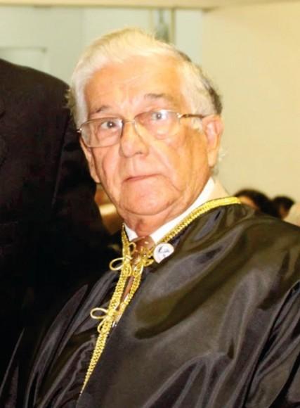Dorival foi professor da Uesc e membro da ALI.