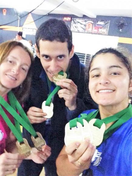 Flávia, João José e Nicole faturaram, juntos, sete medalhas de ouro (Foto Divulgação).