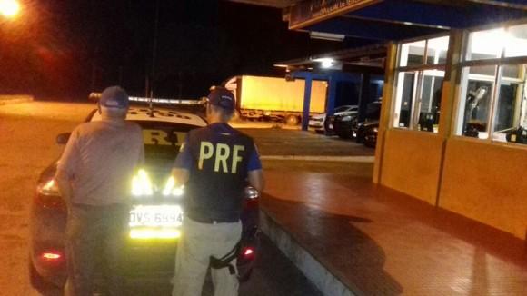 Idoso preso por patrulheiro da PRF no extremo-sul da Bahia (Foto PRF).
