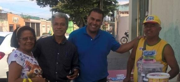 Lula Brandão (de azul) lança pré-candidatura a prefeito.