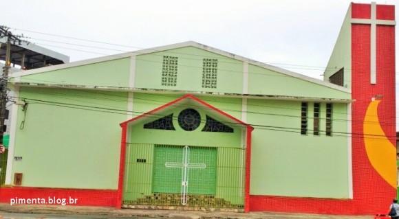Igreja São Judas Tadeu é alvo de vândalos e de arrombadores (Foto Pimenta).