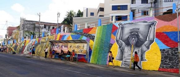 Painel de Rido Foge retrata um pouco da história de Ilhéus (Foto Alfredo Filho).