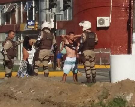 Traficantes foram presos durante abordagem na Amélia Amado.
