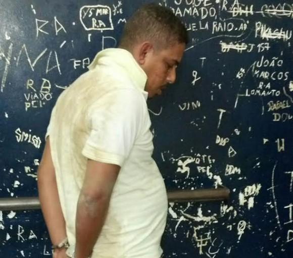 Homem foi preso momentos depois do crime no Jorge Amado.