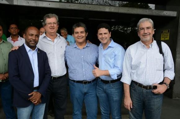 Bebeto, primeiro à esquerda, ao lado de Jutahy, Tim Baracat, Bruno Araújo e Imbassahy.