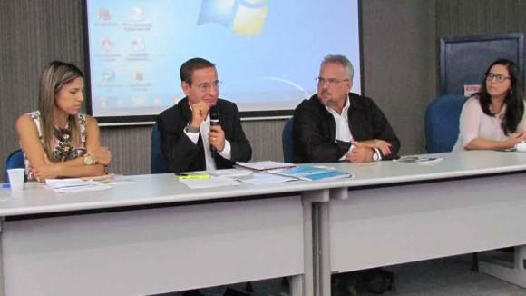 Audiência reuniu secretário e o deputado Marcelino Gallo, na Uesc.