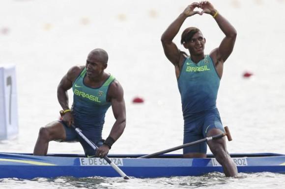 Erlon de Souza e Isaquias Queiroz conquistam a prata na Rio 2016.