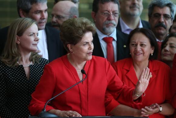 Dilma Rousseff em discurso após ser cassada pelo senado (Foto José Cruz/Agência Brasil).
