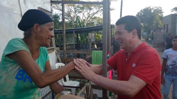 Geraldo Simões concede entrevista na Difusora e faz caminhada no Santa Inês.