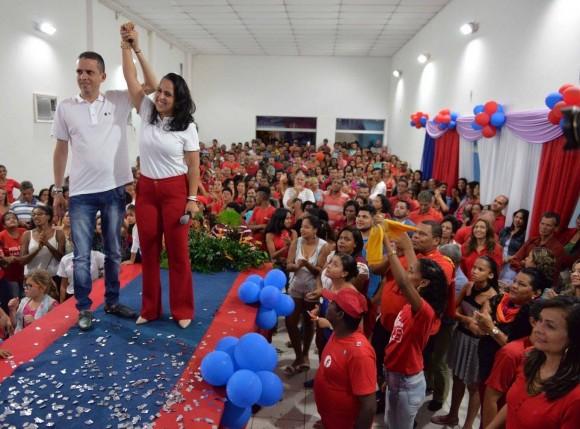 Fernanda e Gustavo em anúncio da chapa majoritária em Uruçuca.