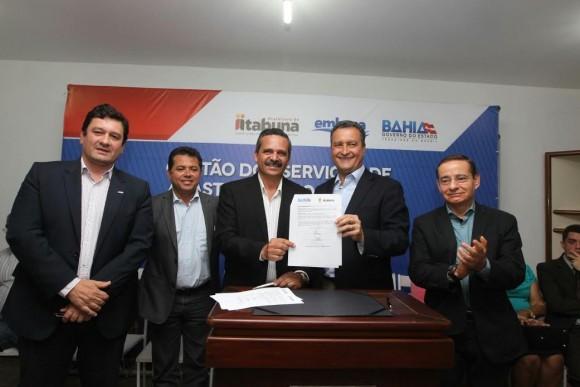 Após assinatura de cooperação, Rui pede agilidade a vereadores (Foto Pedro Moraes).