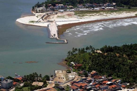 Obras da nova ponte são executadas pela OAS (Foto José Nazal).