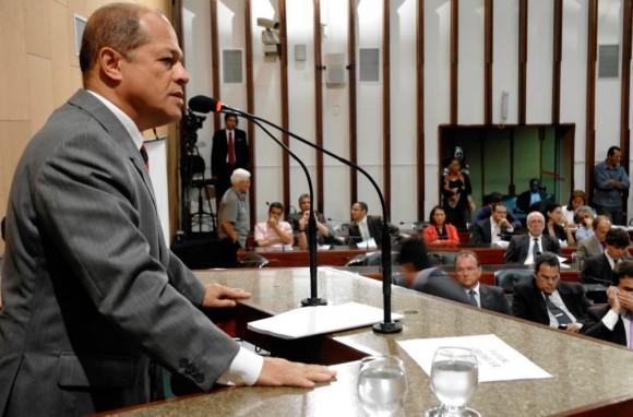 Da base aliada, Joseildo fez críticas a manobra governista.
