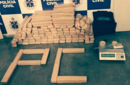 Polícia Civil apreendeu 140 quilos de maconha.