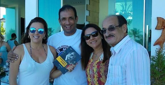 Marão e Fernando, acompanhados das esposas e futuras secretárias da área social.