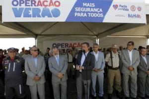 Rui Costa, ao centro, anuncia concurso para PM e Bombeiros (Foto Alberto Coutinho).
